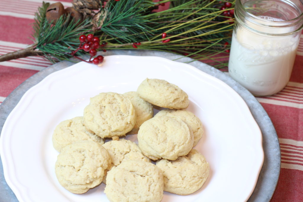 the best sugar cookie recipe, easy cookie recipe, perfect cookie to make with kids, perfect sugar cookie recipe, easy to decorate sugar cookies, baking with kids