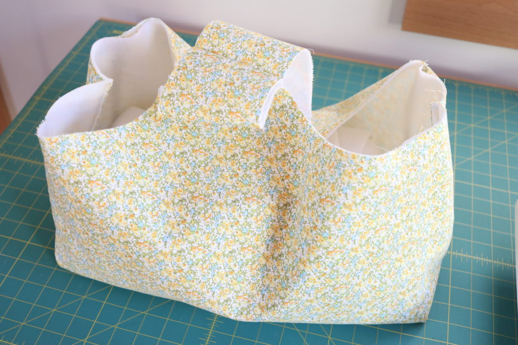 Homemade on our homestead. How to sew a tote bag. Market basket tote. Easy sewing project. Free SUBSCRIBER sewing tote bag pattern. FREE knitting bag pattern. FREE knitting tote bag pattern. FREE crochet bag pattern. FREE crochet tote bag pattern.