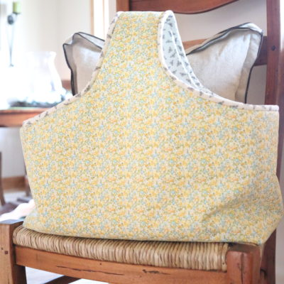 homemade on our homestead. FREE market tote patter. how to make a tote bag. how to sew an easy tote bag. how to sew an easter basket. easter basket sewing pattern. FREE beginner sewing patter. how to sew a market tote. Easy market tote bag pattern.