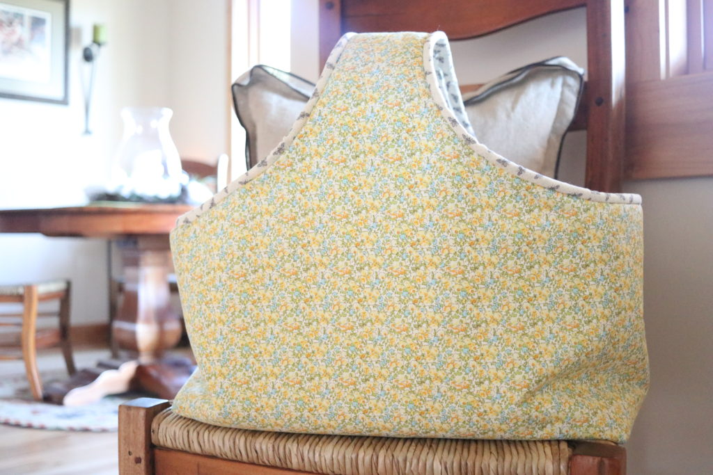 homemade on our homestead. Rustic living, food from scratch for a DIY handmade home. Market Basket Tote Bag. Easy Sewing Project. How to sew a tote bag.