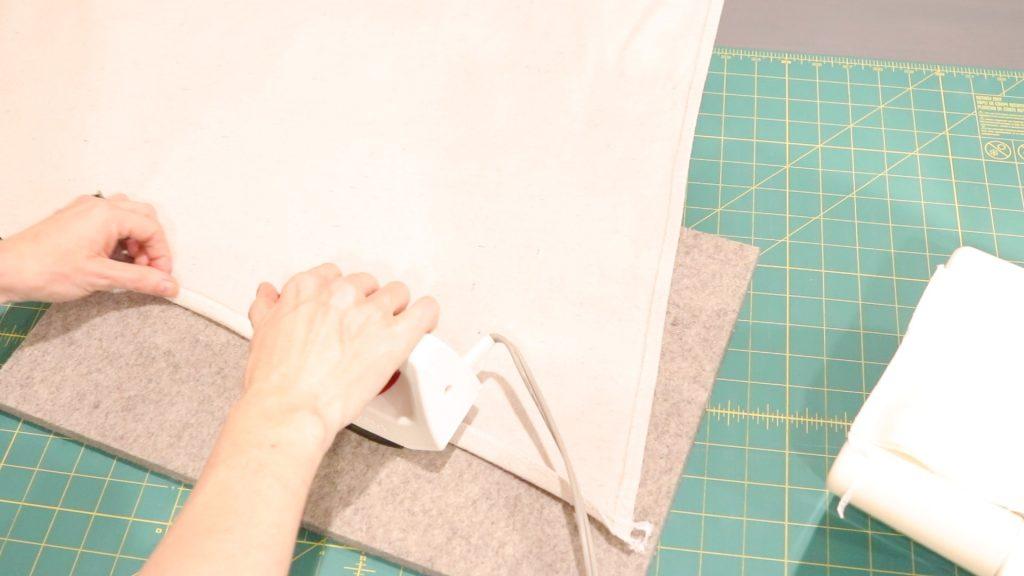 #DIYhangingchair #Howtomakeahnagingchairfromadropcloth #Easysensoryswing #DIYcraftproject #easyDIY #beginnersewingproject #easyhangingchair